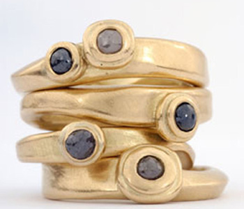 Rings in 18ct gold set with cinnamon diamonds