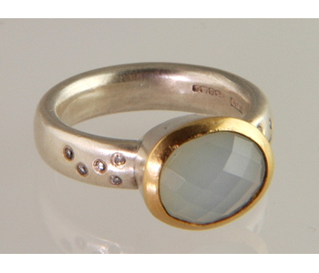 Ring in silver and 22ct gold set with diamonds and an Andean opal