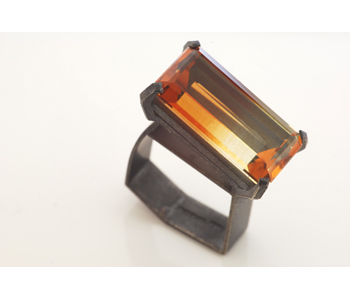 Ring in oxidised silver set with a citrine