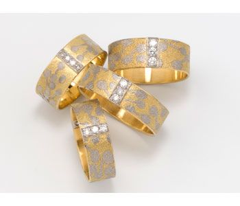 Rings in gold with diamonds and fused with platinum