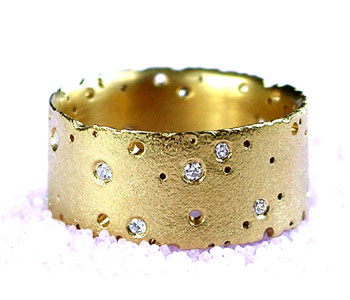 Ring in 18ct yellow gold with diamonds