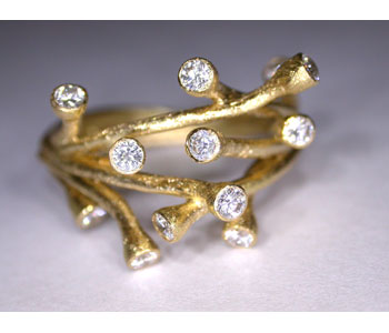 Mikala Djorup_Branch ring in 18ct yellow gold with diamonds